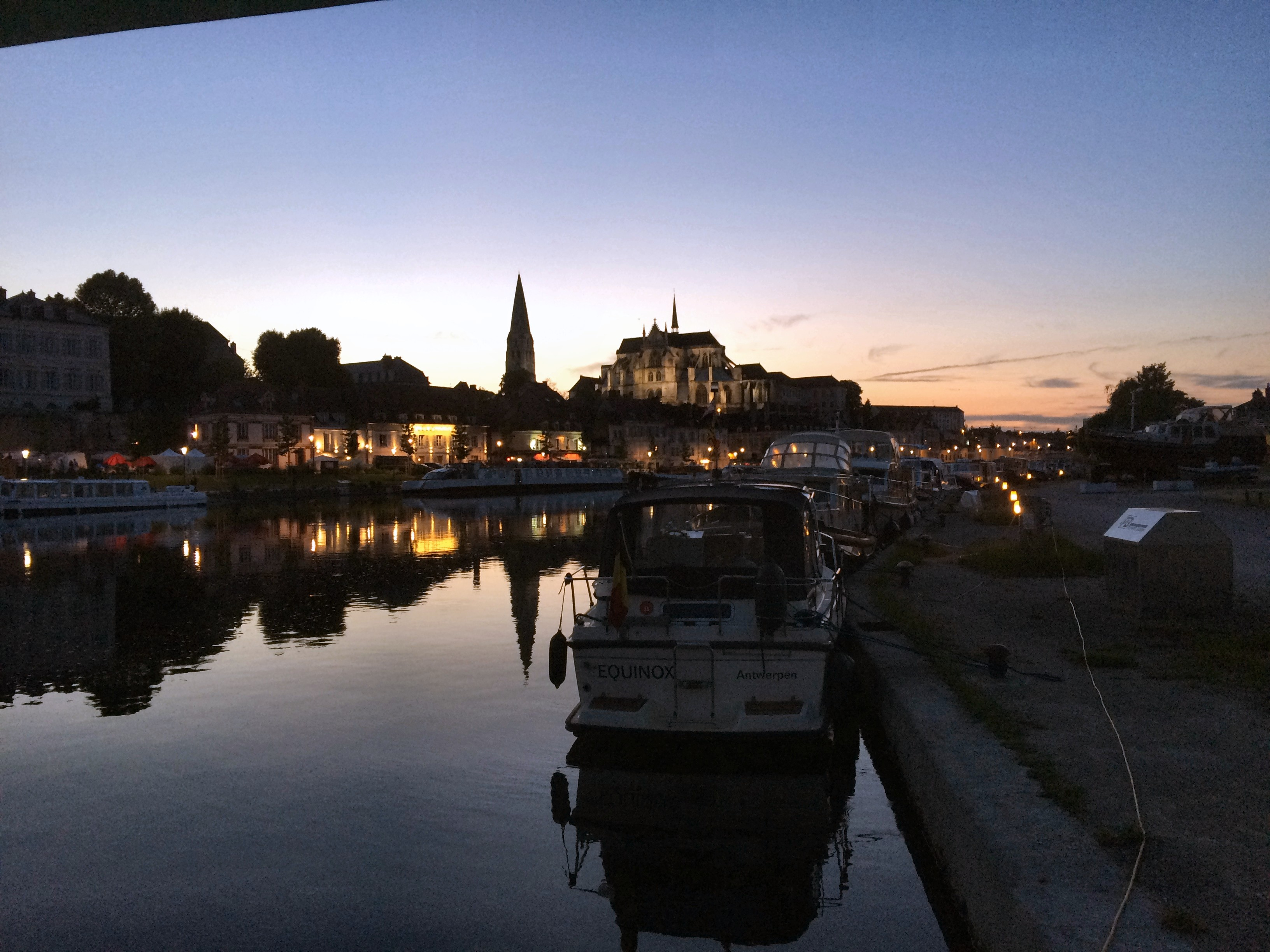 Auxerre by night