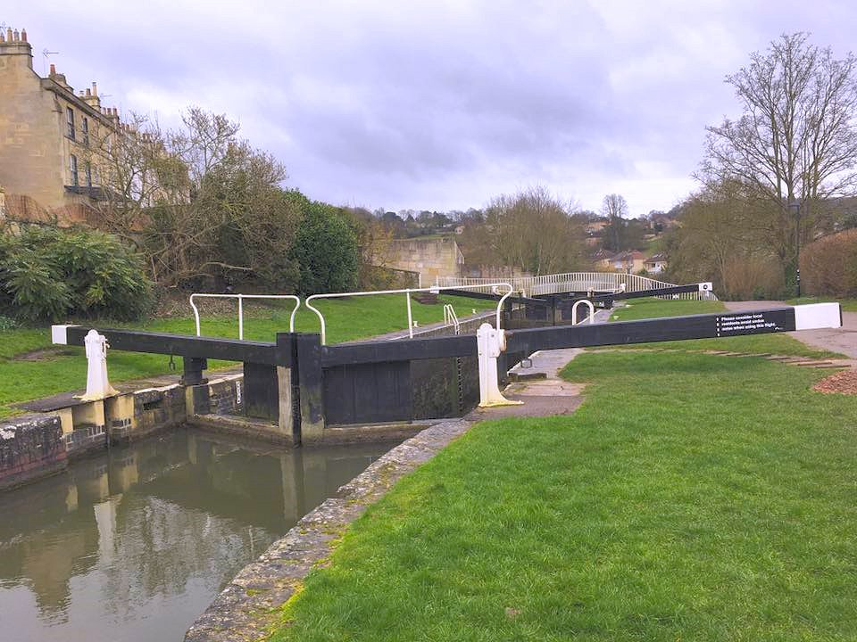 Bath Top Lock