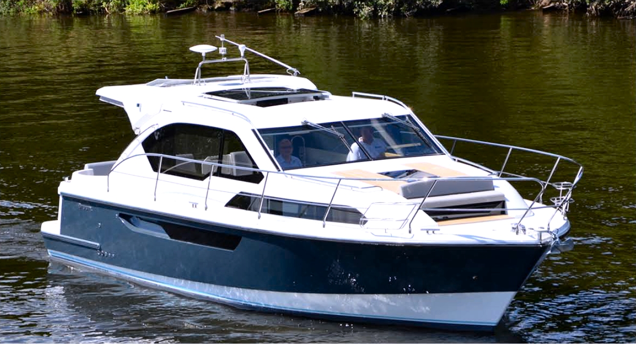 Brand New Sports Cruiser - 'Captain '