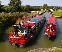 Widebeam canal boat