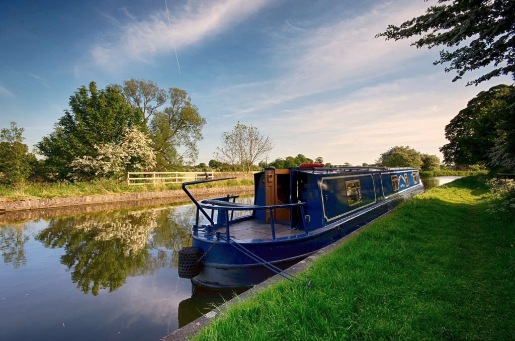 The peaceful Lancaster Canal