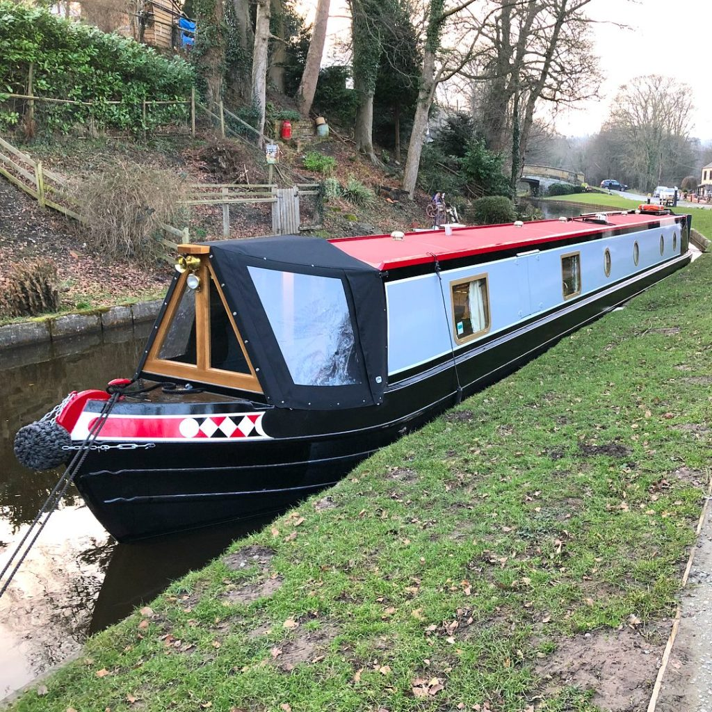 Narrowboat 'Lily'