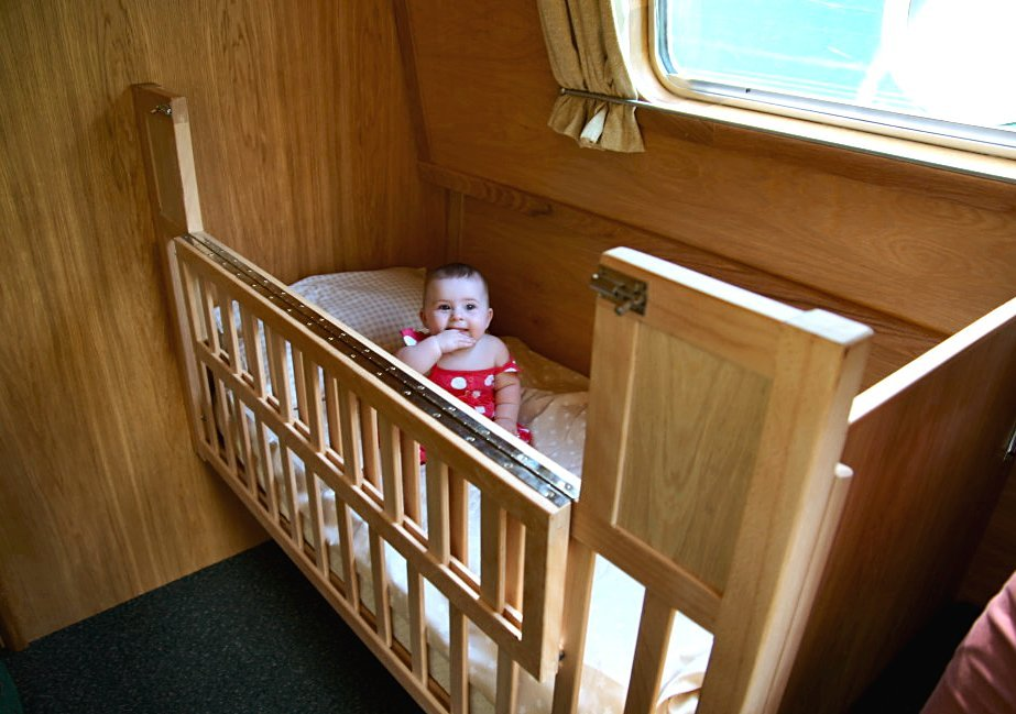 Lucy May Cot