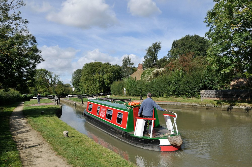 Hire boat 'Sunset' at Hillmorton Locks