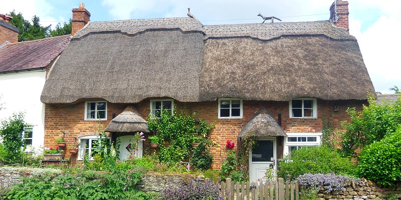 Pretty Cottages at Cropredy