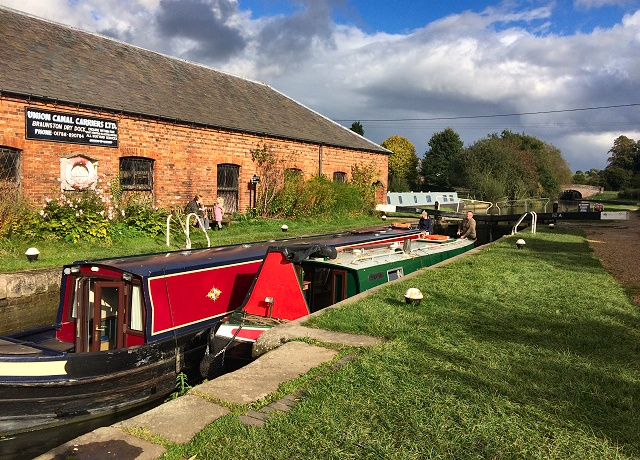 Central England boat hire special offers