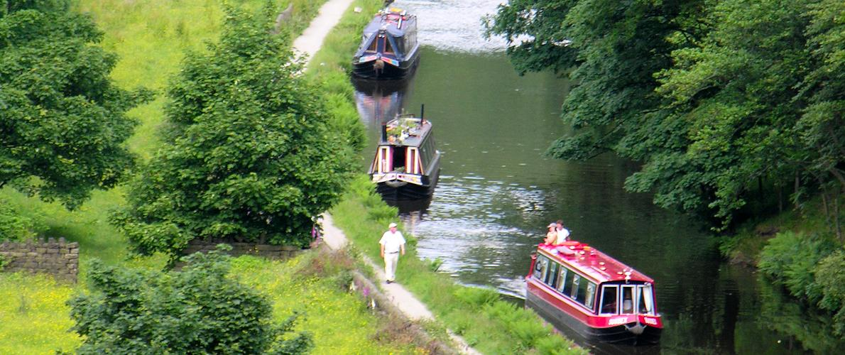 Leeds & Liverpool Canal -traditional narrowboats