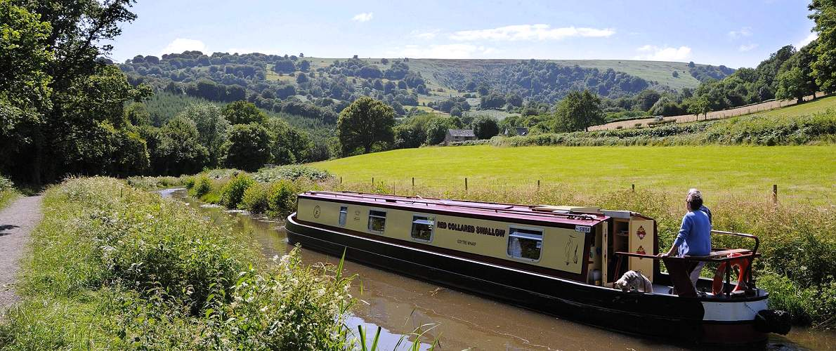 Monmouthshire & Brecon Canal - boating holiday views