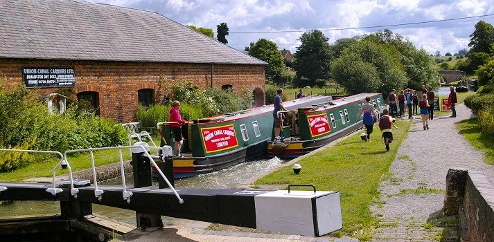 Narrow boat holidays on the UK Canals