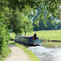 Canal boat hire in Northern England early booking offers