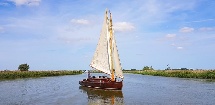 Sailing a traditional yacht on the Norfolk Broads