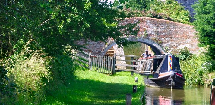 Canal Boat Holidays through countryside