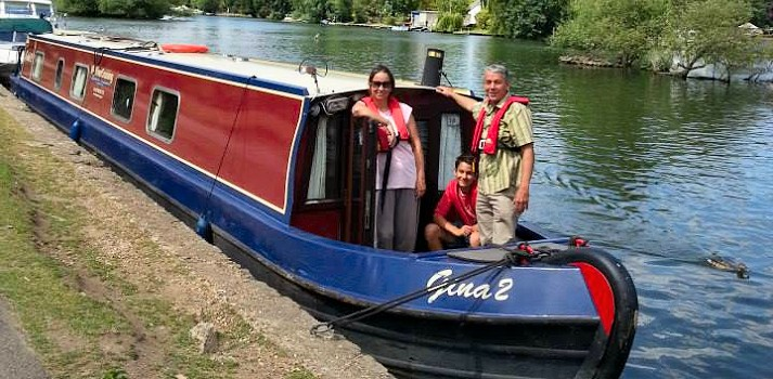 Thames by narrowboat hire